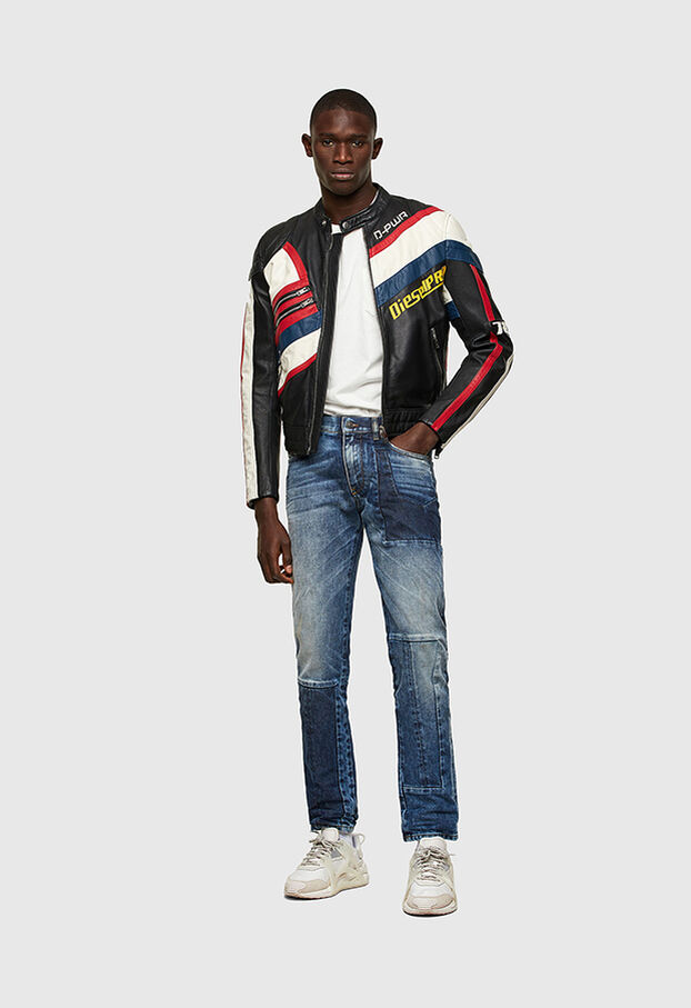 https://hu.diesel.com/dw/image/v2/BBLG_PRD/on/demandware.static/-/Library-Sites-DieselMFSharedLibrary/default/dwd8001b89/CATEGORYOV/2X2_D-STRUKT_DENIM-SPRING-LAUNCH_A02182_009NI_01_C.jpg?sw=622&sh=907