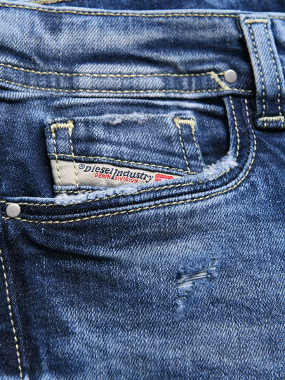 Diesel - LOWLEEH-J-N, Blue Jeans - Jeans - Image 3