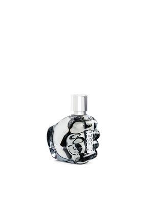 https://hu.diesel.com/dw/image/v2/BBLG_PRD/on/demandware.static/-/Sites-diesel-master-catalog/default/dw2e2f7f23/images/large/PL0123_00PRO_01_O.jpg?sw=297&sh=396