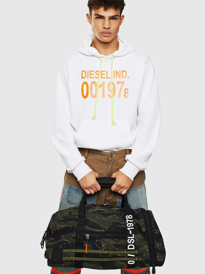 Diesel - M-CAGE DUFFLE M, Black/Green - Travel Bags - Image 8