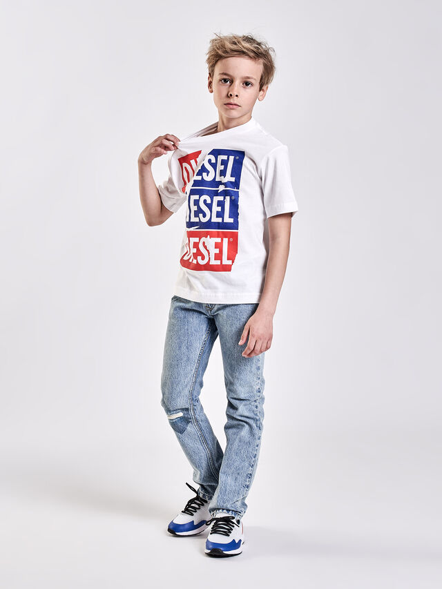 Diesel - TJUSTZC OVER, White - T-shirts and Tops - Image 4